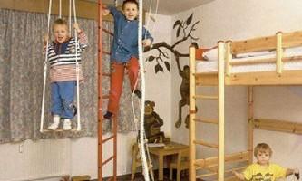 Детская шведская стенка: и весело, и полезно