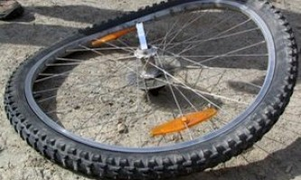 Как делается исправление восьмерки на велосипеде своими руками