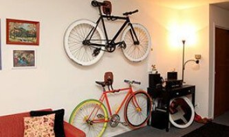 Как хранить велосипед зимой: в квартире, гараже или на балконе