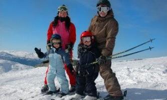 Как правильно выбрать лыжи ребенку и взрослому, подбор лыж по росту?