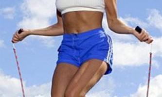 Добавляем в тренировку прыжки на скакалке для похудения.