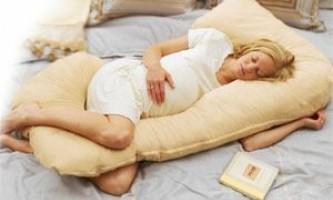 Наиболее оптимальная поза для сна во время беременности.