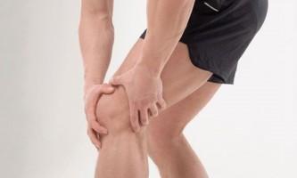 Почему болит колено при приседании и вставании: причины и лечение